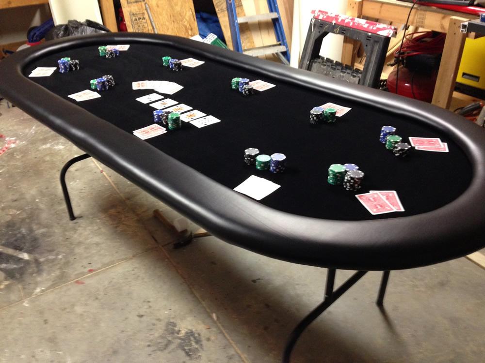 Poker feeder table