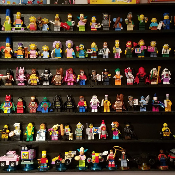 lego-minifig-shelf
