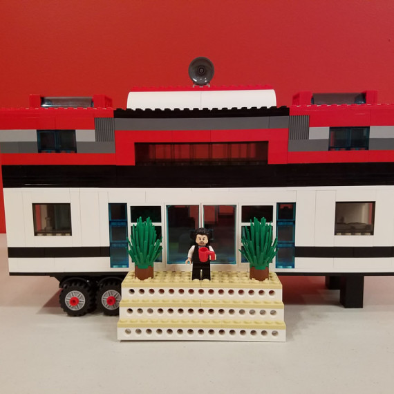 lego-tiny-house-1000